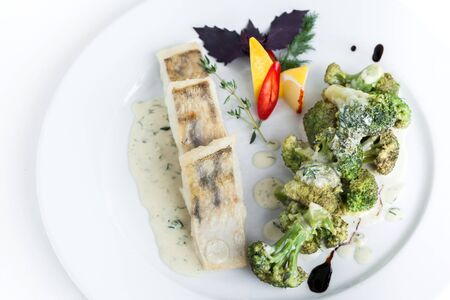 Steamed fish with broccoli