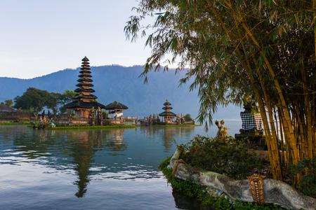 Pura Ulu Danau Bratan Temple in Bali. Early morning, sunrise, twilight, nobody Zdjęcie Seryjne