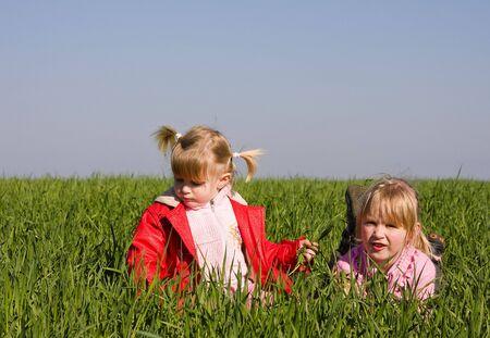 giggle: Sisters