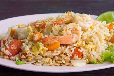 fried shrimp: Fried rice with seafood
