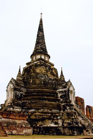 buddhist stupa: Estupa budista en Ayutthaya, Tailandia. Foto de archivo