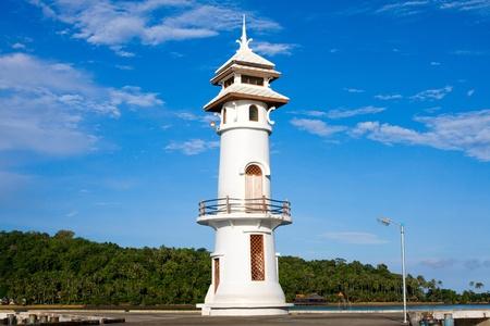 White lighthouse Stock Photo - 9213700