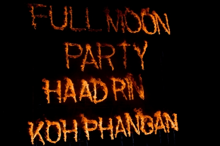 PHANGAN - JANUARY 08 : There are about 10,000 people every month at this Phangan beach Full moon party, on January 08, 2012 in Koh Phangan , Thailand . Stock Photo - 11906108