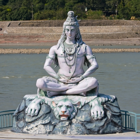 ganges: Shiva, hindu idol on the Ganges, Rishikesh , India Stock Photo