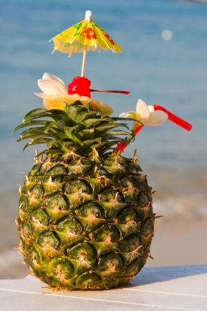 Tropical cocktail on the beach Stock Photo - 16521717