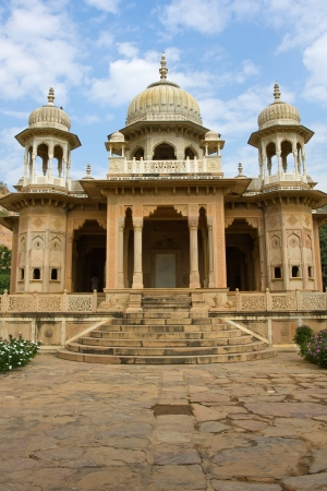 Memorial grounds to Maharaja Sawai Mansingh II and family constructed of marble. Gatore Ki Chhatriyan, Jaipur, Rajasthan, India.