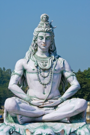 vishnu: Statue Shiva, hindu idol on the river Ganges, Rishikesh , India