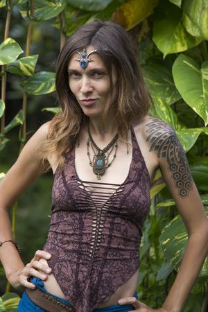 hippie girl: Portrait beautiful hippie girl in nature