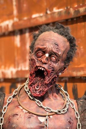 wilkołak: Terrible figure of zombies on the streets of Bangkok, Thailand