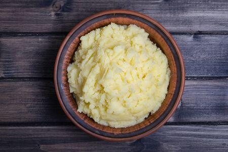 pure patatas: alimentaria nacional de Ucrania est� pur� de patatas en la placa, de cerca.