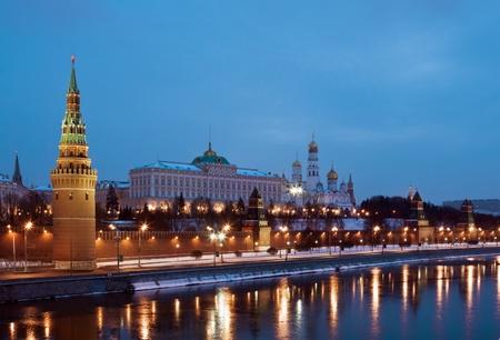 kremlin: De Moskouse Kremlin en kathedralen winternacht