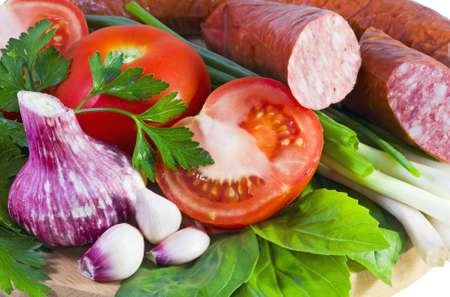 carnes y verduras: carnes y vegetales frescos con ensalada