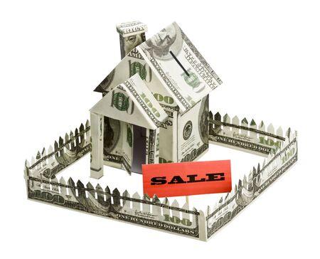 investment real state: Casa de la Moneda y firmar la venta aisladas sobre fondo blanco