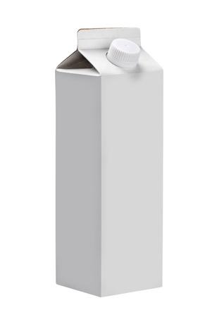 caja de leche: empaquetado del cart�n de leche o jugo aislado sobre fondo blanco