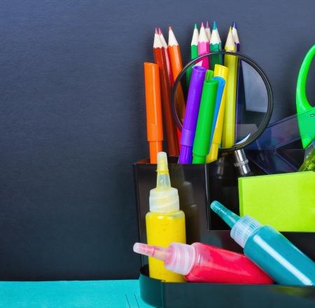 utiles escolares: Regreso a la escuela y la junta Foto de archivo