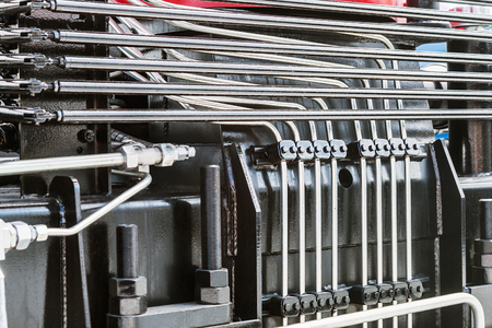 트랙터 또는 다른 건설 장비의 유압 시스템. 건설 장비 부품