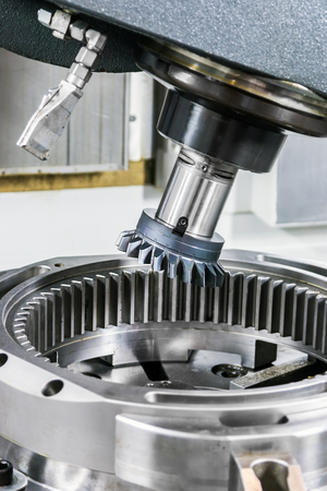 tooth gear wheel used in machine tools and machines for metalworking industry