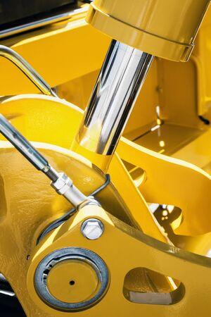 sistema idraulico del trattore o dell'escavatore. Dettagli e parti di attrezzature per la costruzione e la riparazione