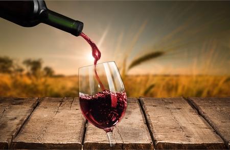bouteille de vin: Vin, Oenologie, Bouteille de vin. Banque d'images