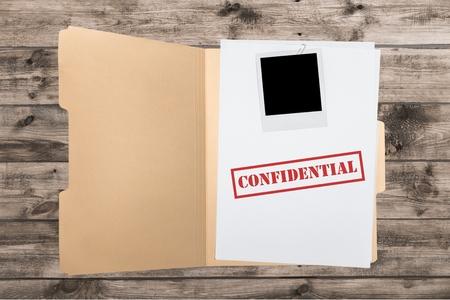 sigilo: Arquivo, Confidencial, Privacidade.