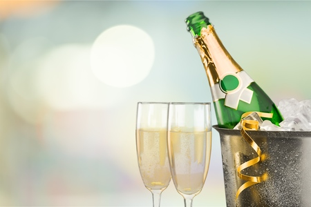 Silvester, Champagne, Neujahr. Standard-Bild - 41379658