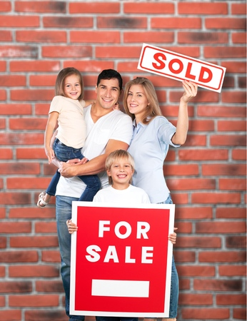 selling house: House, Residential Structure, Family.