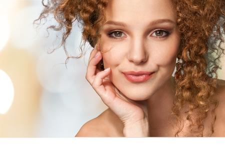 femmes souriantes: Femmes, Beaut�, Visage.