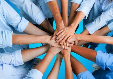 人間の手、チームワーク、人々。
