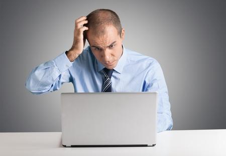 confundido: Confusión, ordenador, Hombres.