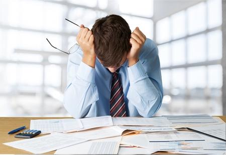 感情的なストレス、破産、金融。