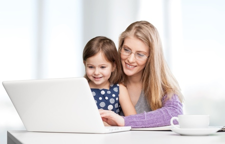 madre trabajando: Ocupado, madre, hogar.