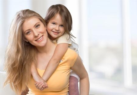mama e hija: Mam�, hija, madre. Foto de archivo