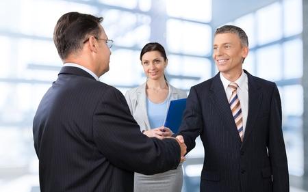 entrevista de trabajo: Entrevista, Entrevista de trabajo, Estrechar las manos.