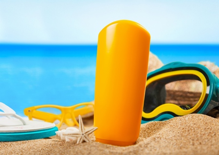 suntan lotion: Suntan Lotion, Sunglasses, Moisturizer.