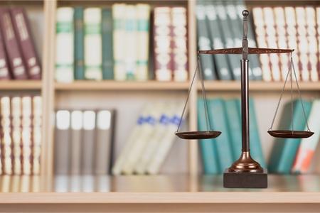 balanza de la justicia: Escalas de Justicia Foto de archivo