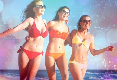 niñas en bikini: Cancún, bikini, playa.