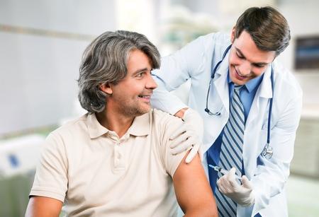 flu virus: Inyectar, Vacunaci�n, Gripe. Foto de archivo