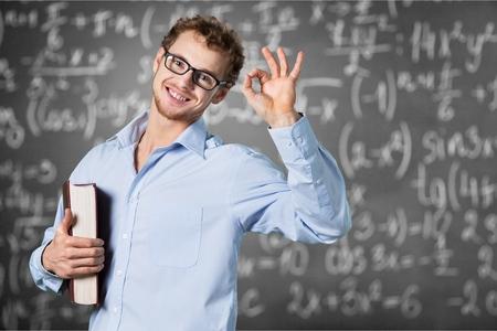 calculus: Teacher, class, room.
