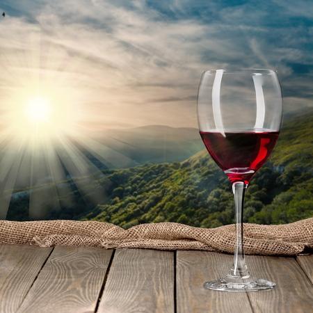 vino: Botella de vino, vino, botella. Foto de archivo