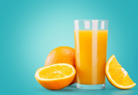 verre de jus d orange: Jus d'orange, jus de fruits, des �claboussures.