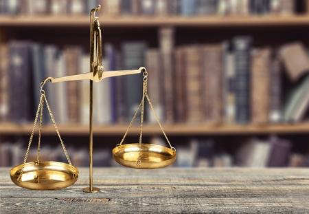 balanza de justicia: Escala, legal, ley.