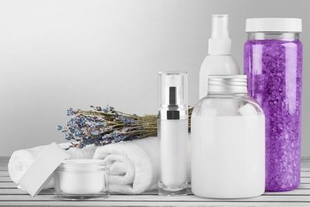 Marchandise, parfum, cosmétiques. Banque d'images - 42196974