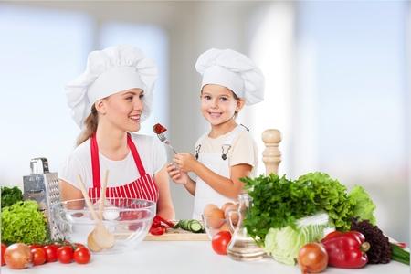 casual woman: Eating, kid, food.