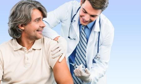 vacunaci�n: Inyectar, Vacunaci�n, Gripe. Foto de archivo