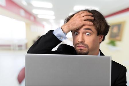 Počítač, frustrace, problémy. Reklamní fotografie