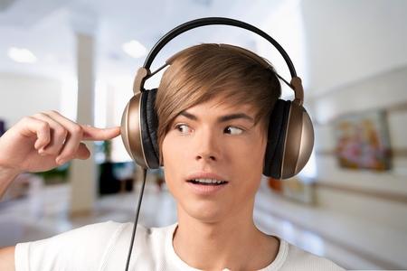 hand jamming: Audio, listen, music.