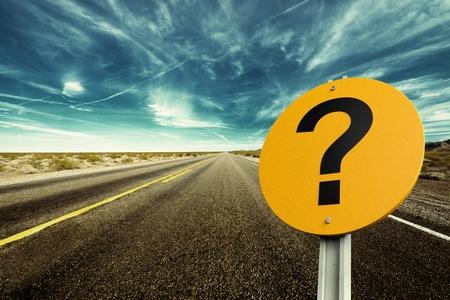 Punto interrogativo, Segnaletica stradale, Segno. Archivio Fotografico - 42303938