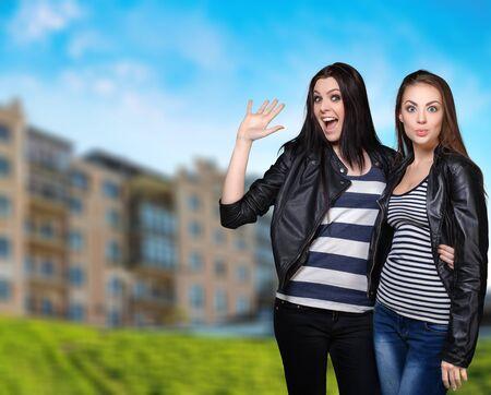 chicas adolescentes: Moda, diversión, escuela.