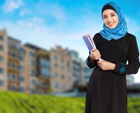 fille arabe: Arabe, arabe, Arabie.