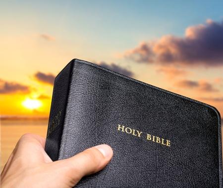 biblia: Misionero, Misión, Biblia.